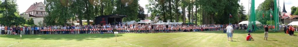 A packed house at the Fränkisch-Crumbach Hammer Meet shows the marketing power of field-event only meets in Germany.
