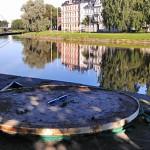 Yxor skall man som bekant avstå från att kasta i sjön - men det rådet gäller inte släggor i Klarälven!